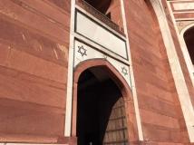 hum tomb_9824 (1)